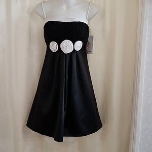 NWT spaghetti strap black and white dress
